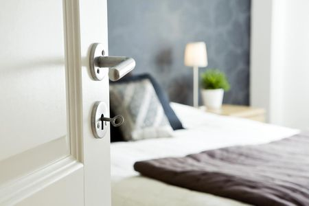 feng shui tips for a bed close to the bedroom door - How To Unlock Bedroom Door