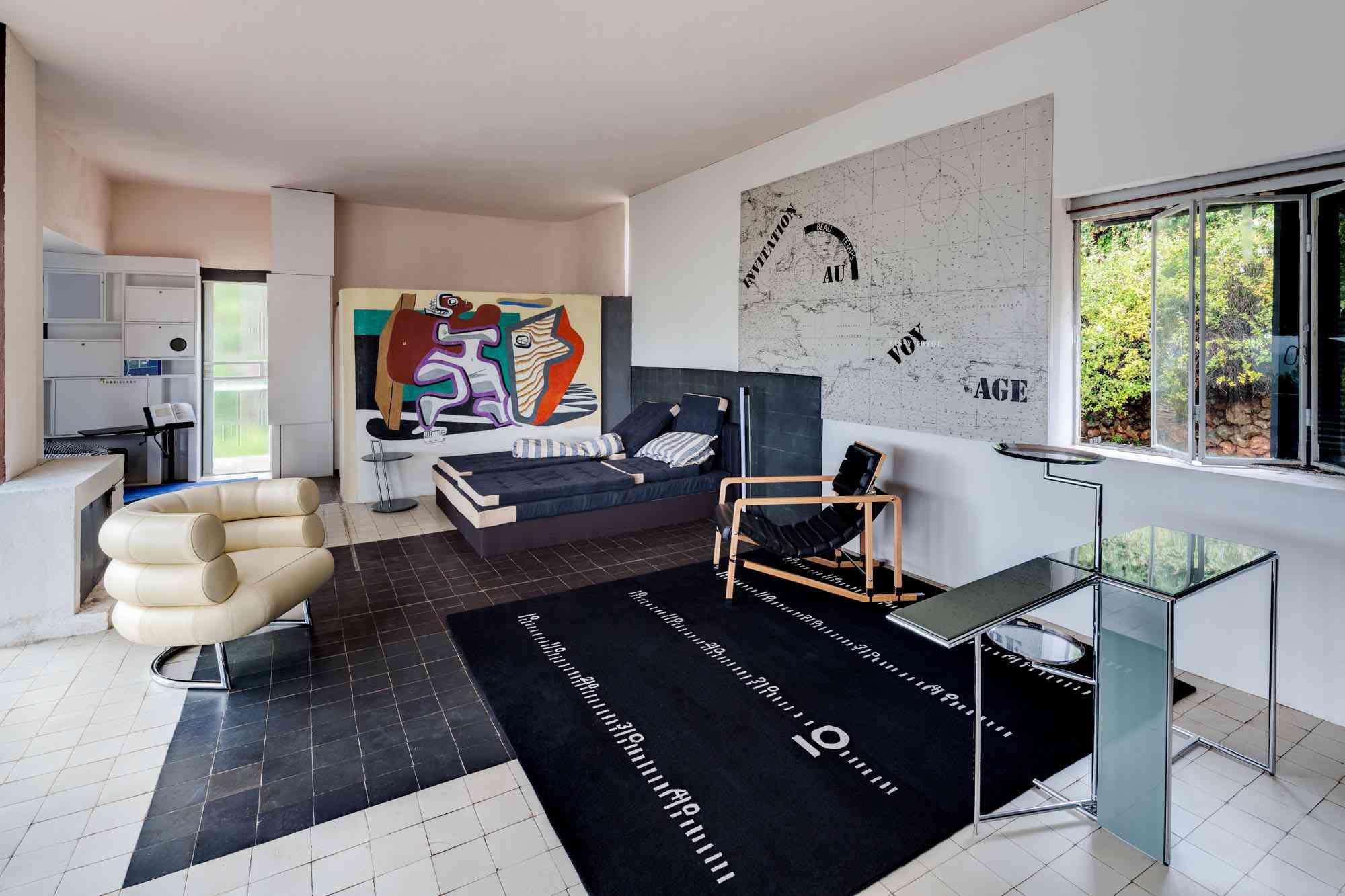 Eileen Gray living room at Villa E-1027