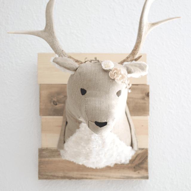 DIY woodland wall art: Stuffed deer head