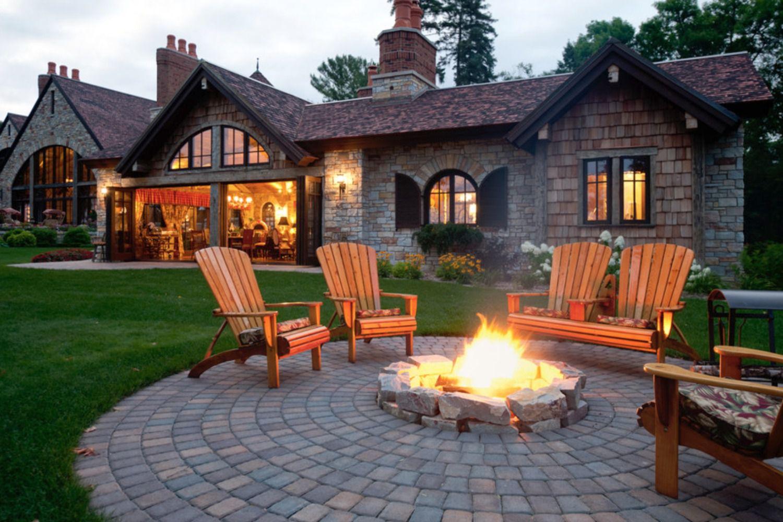 25 Great Patio Paver Design Ideas on Backyard Paver Patio Designs id=25992
