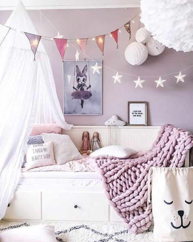 Lilac purple girl's room