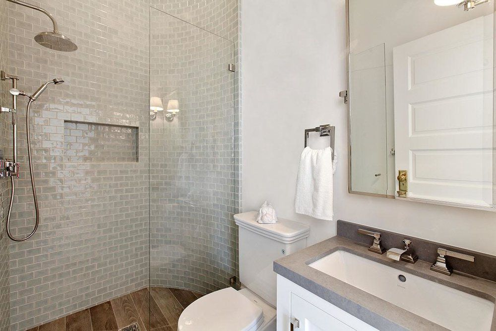 small bathroom with gorgeous textures