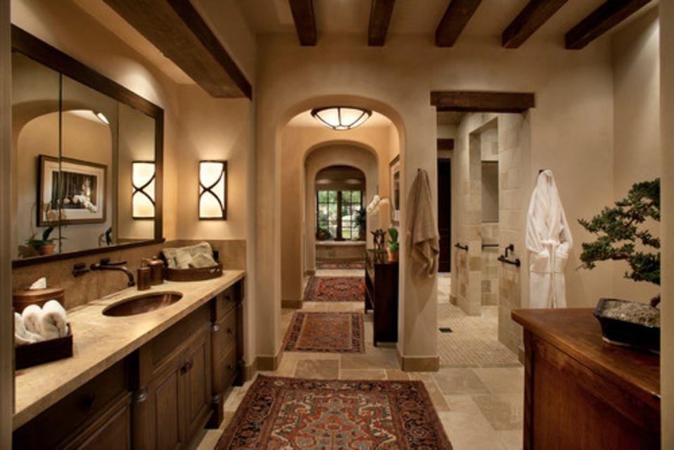 baño principal de inspiración toscana