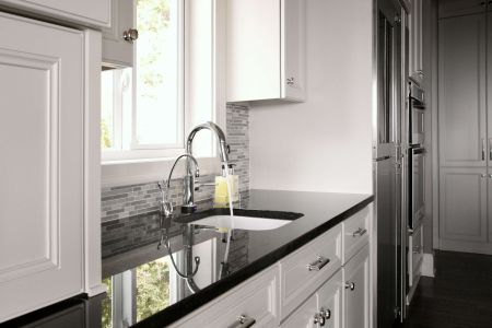 20 Granite Kitchen Countertops For Every Type Of Decor