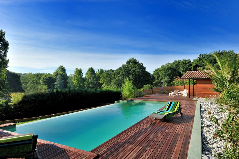 House exterior, swimming pool
