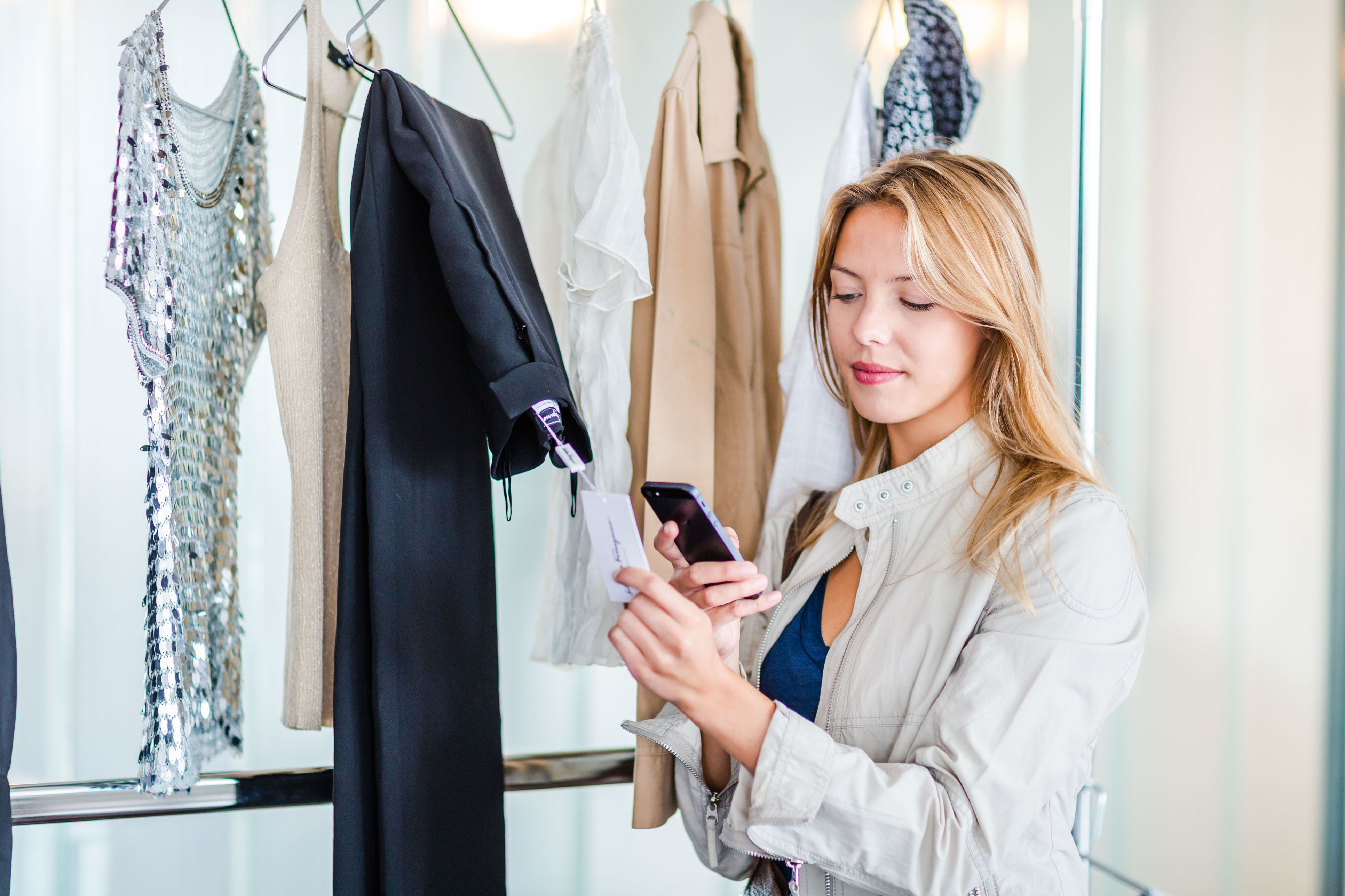 8 Best Local Selling Apps to Sell Your Stuff Quick
