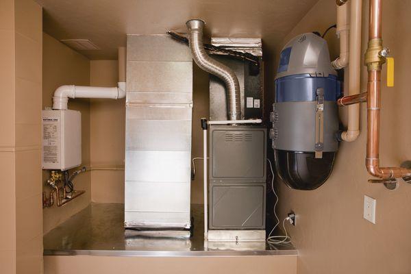 An electronic furnace