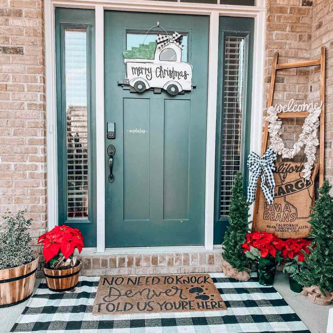 Door with merry christmas sign