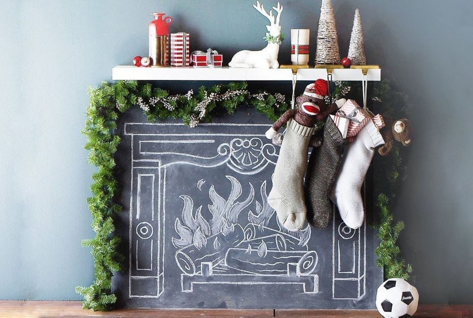 Fake Christmas Fireplace.3 Easy Ways To Fake A Festive Fireplace Mantel For Christmas