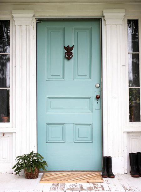 10 Colorful Front Doors That Make A Statement