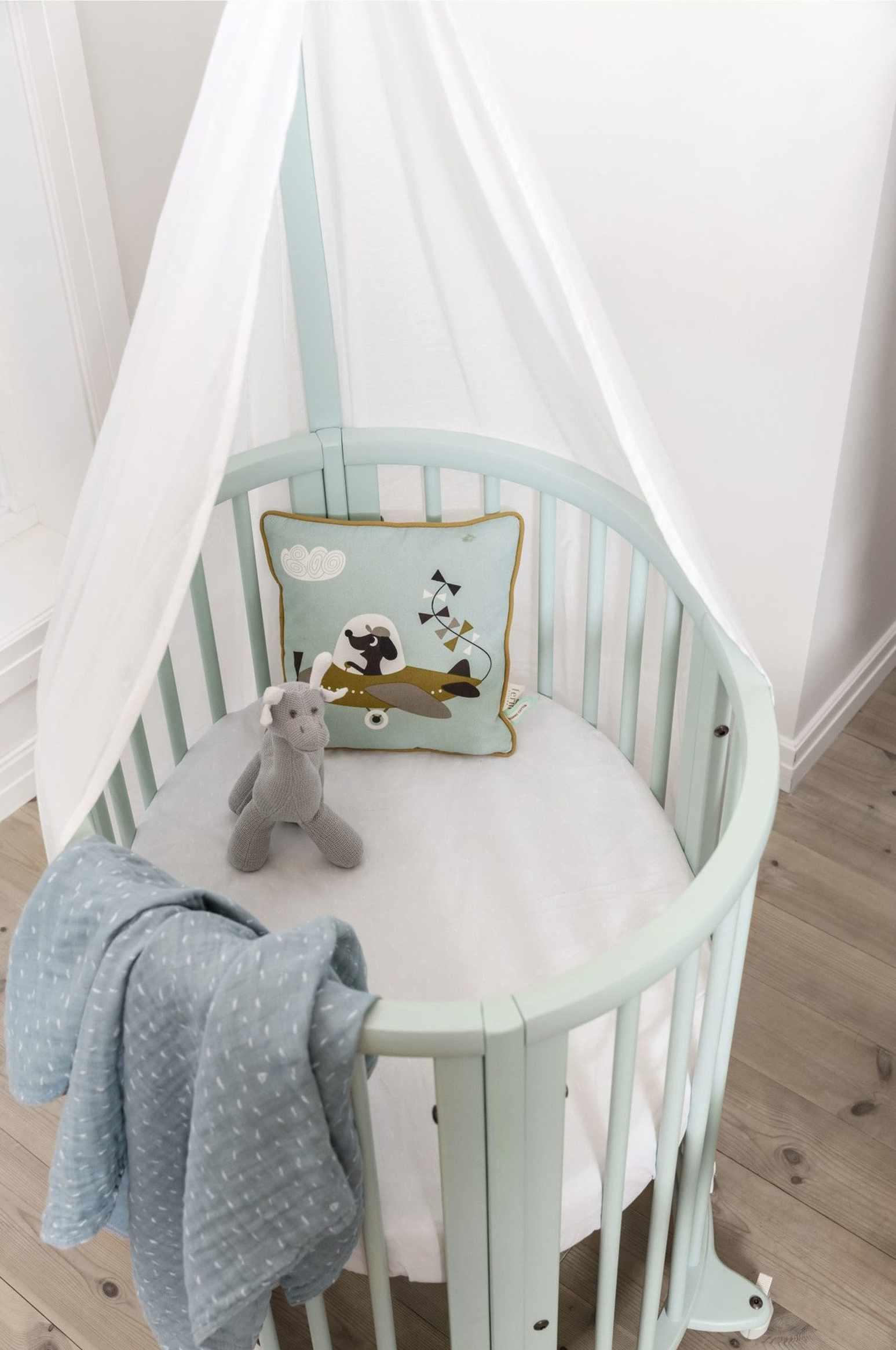 Stokke Sleepi Mini crib in mint green