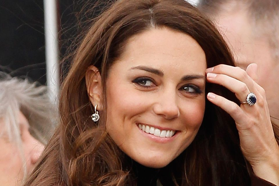 Duchess of Cambridge wearing sapphire ring