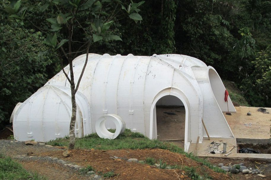 Build Your Own Hobbit House In 3 Days