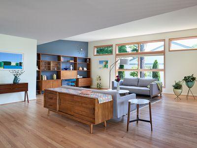 Mid-Century Modern House - Living Room