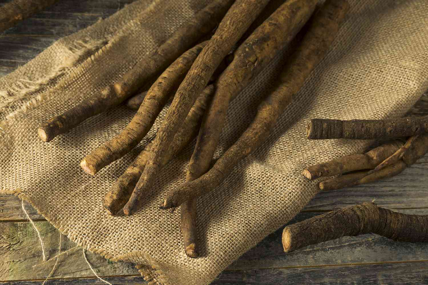 aw Brown Organic Burdock Root