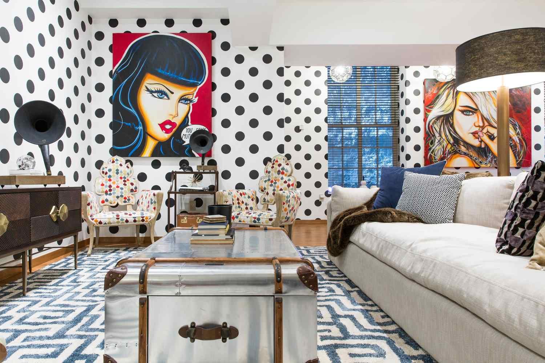 sala de estar de la casa de diversión del diseñador de interiores Joe Human