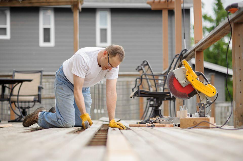 main repairing deck