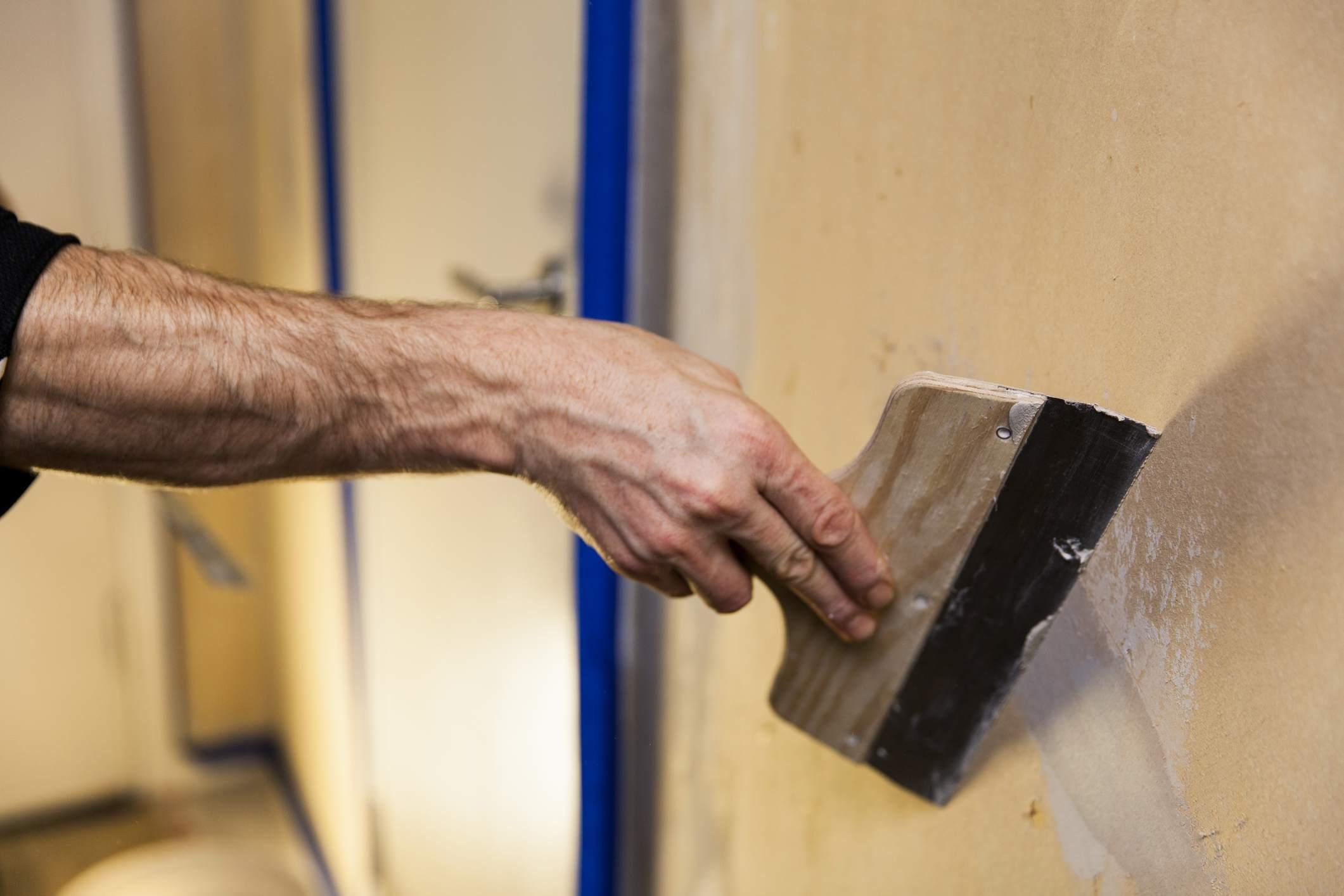 How To Repair Cracked Venetian Walls