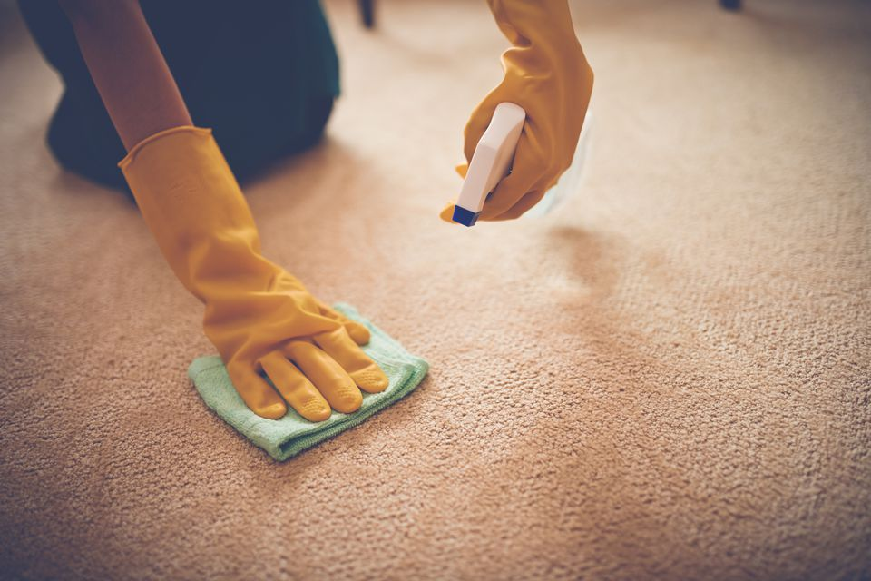 Removing stains from carpet