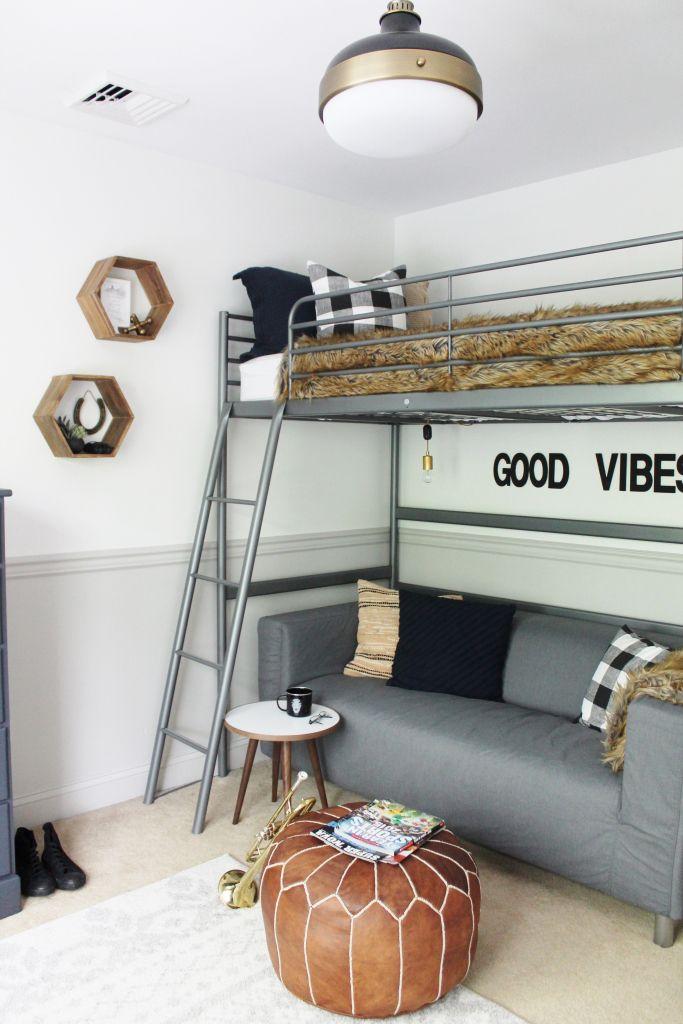 Teen room with loft bed
