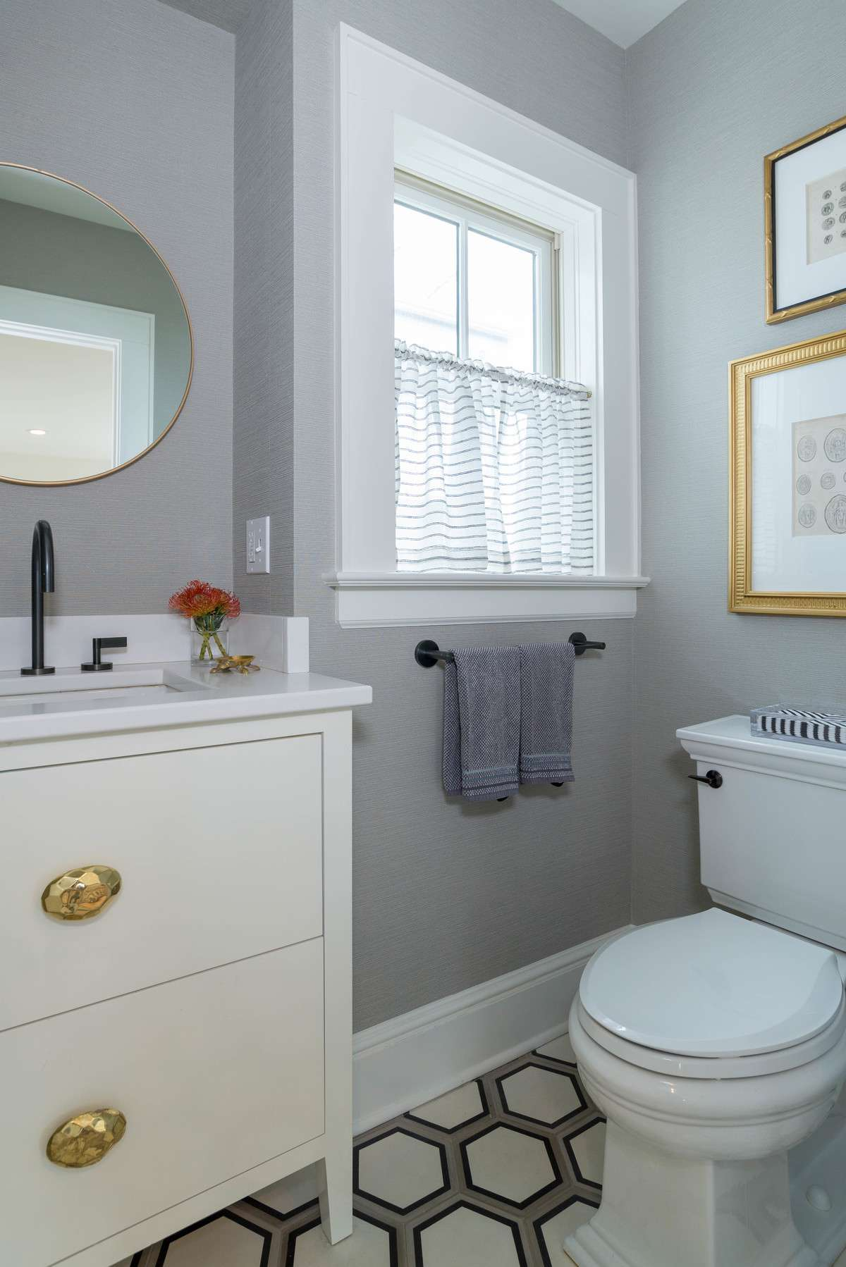 Small Bathrooms B With Style And Function