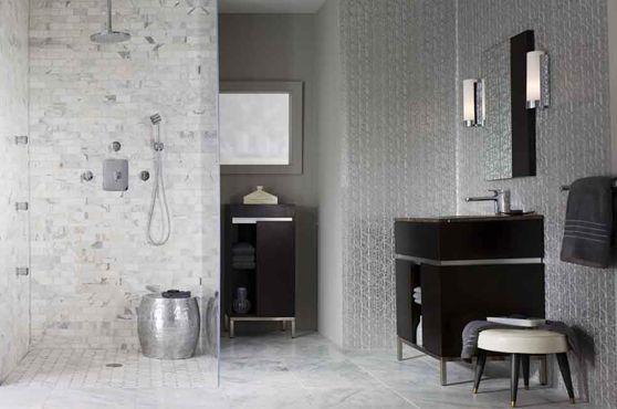 Azulejo y mármol del baño principal