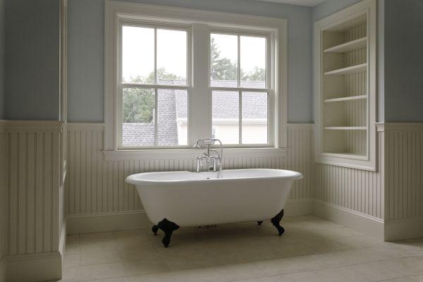 Tradional style bathroom with clawfoot tub.