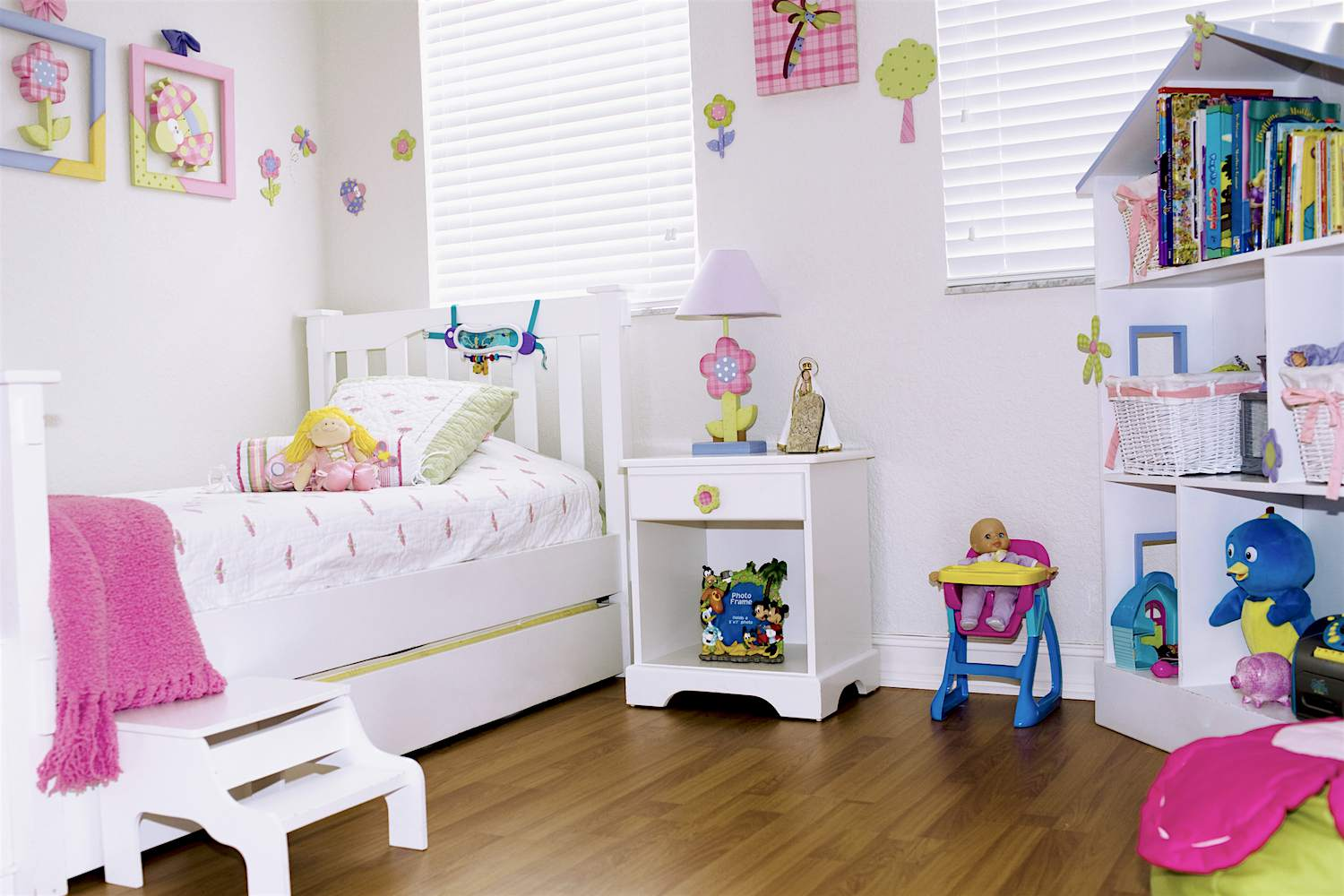 Space saving kids furniture ideas for your staged home