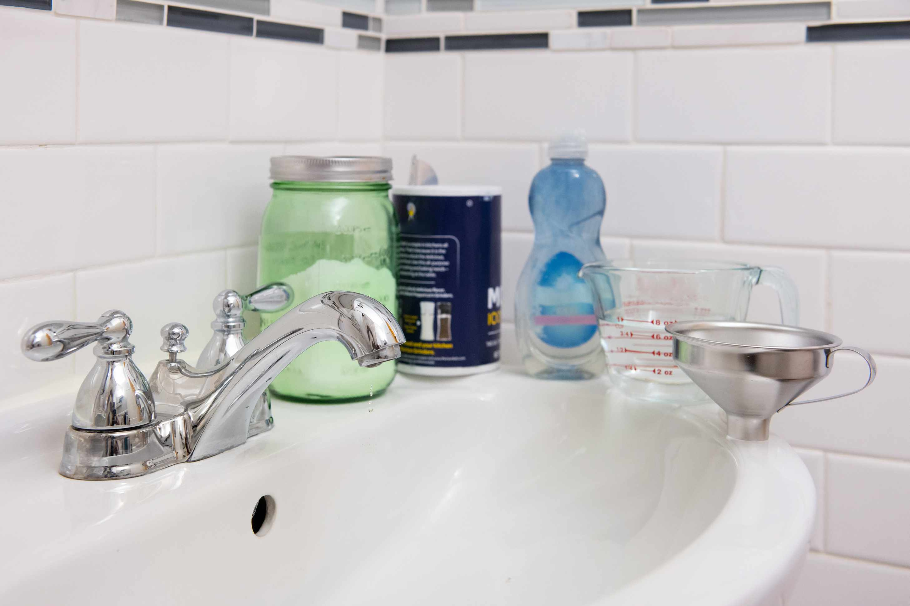 How To Clean A Clogged Drain With Baking Soda