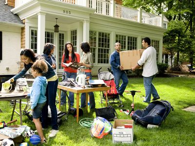 Write a Great Garage Sale Ad With These Tips