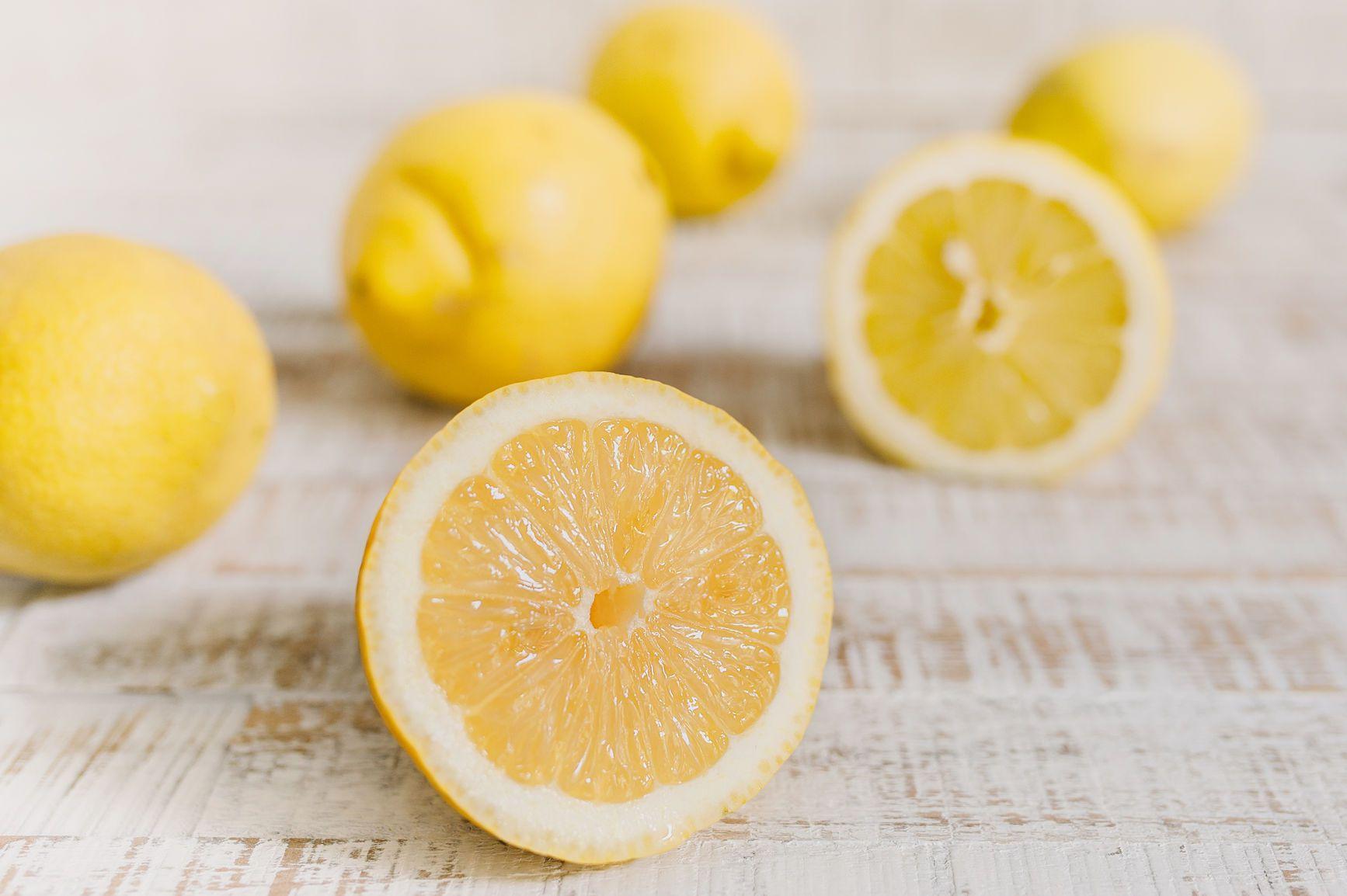 16 Surprising Uses for Lemon Juice