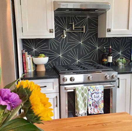 20 Unique Kitchen Backsplashes That Aren't Subway Tile