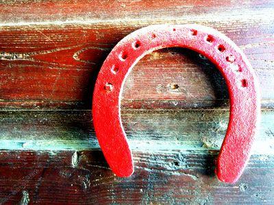 red horseshoe