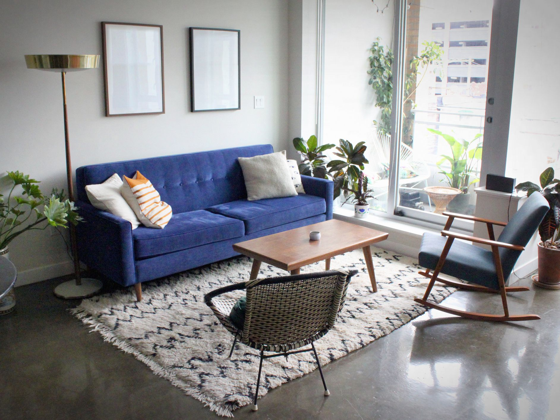 Picture of: Mid Century Modern Living Room Ideas