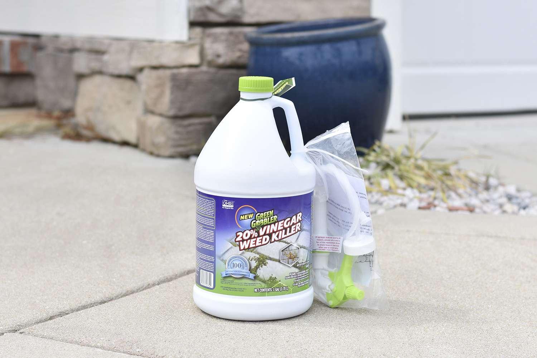 Green Gobbler Organic 20% Vinegar Weed & Grass Killer