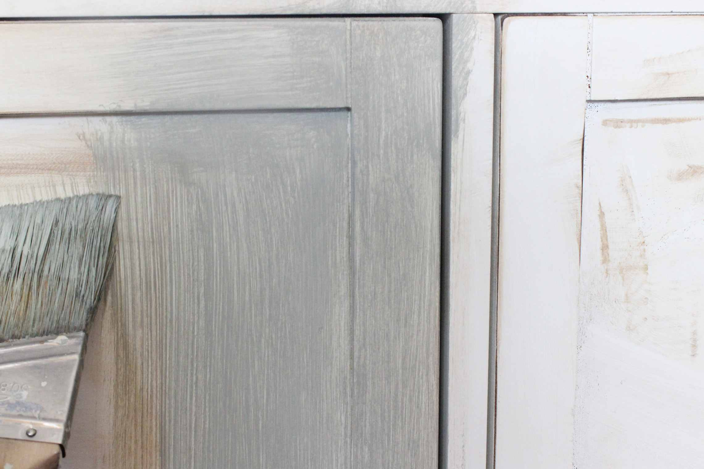 how to distress wood to make it look old