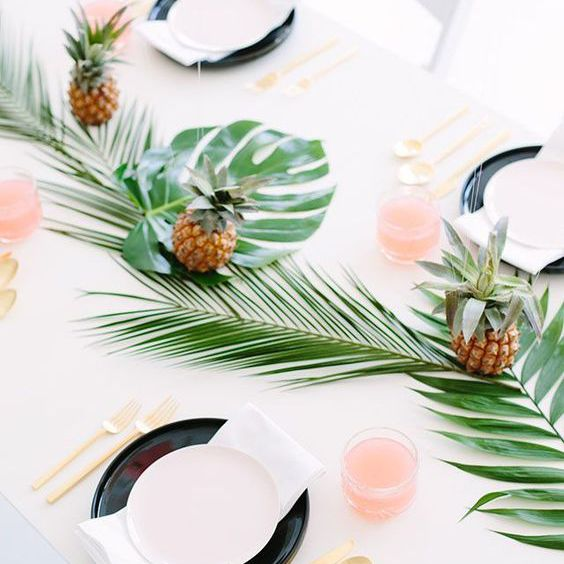 Palm table setting