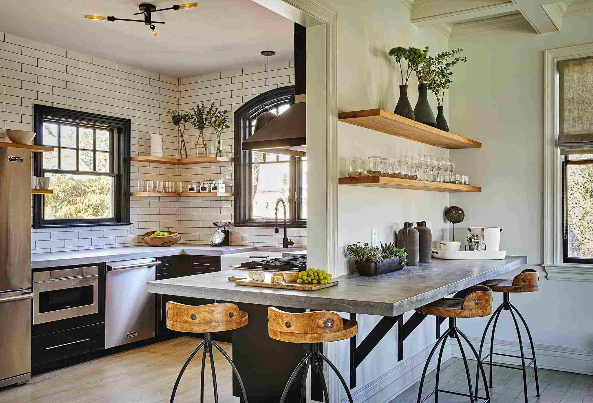 15 Striking Kitchens With Concrete Countertops