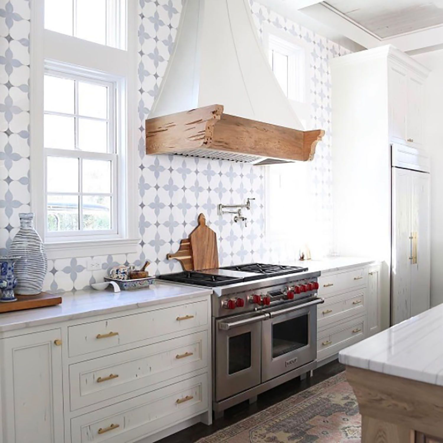 20 Unique Kitchen Backsplashes That Aren\'t Subway Tile