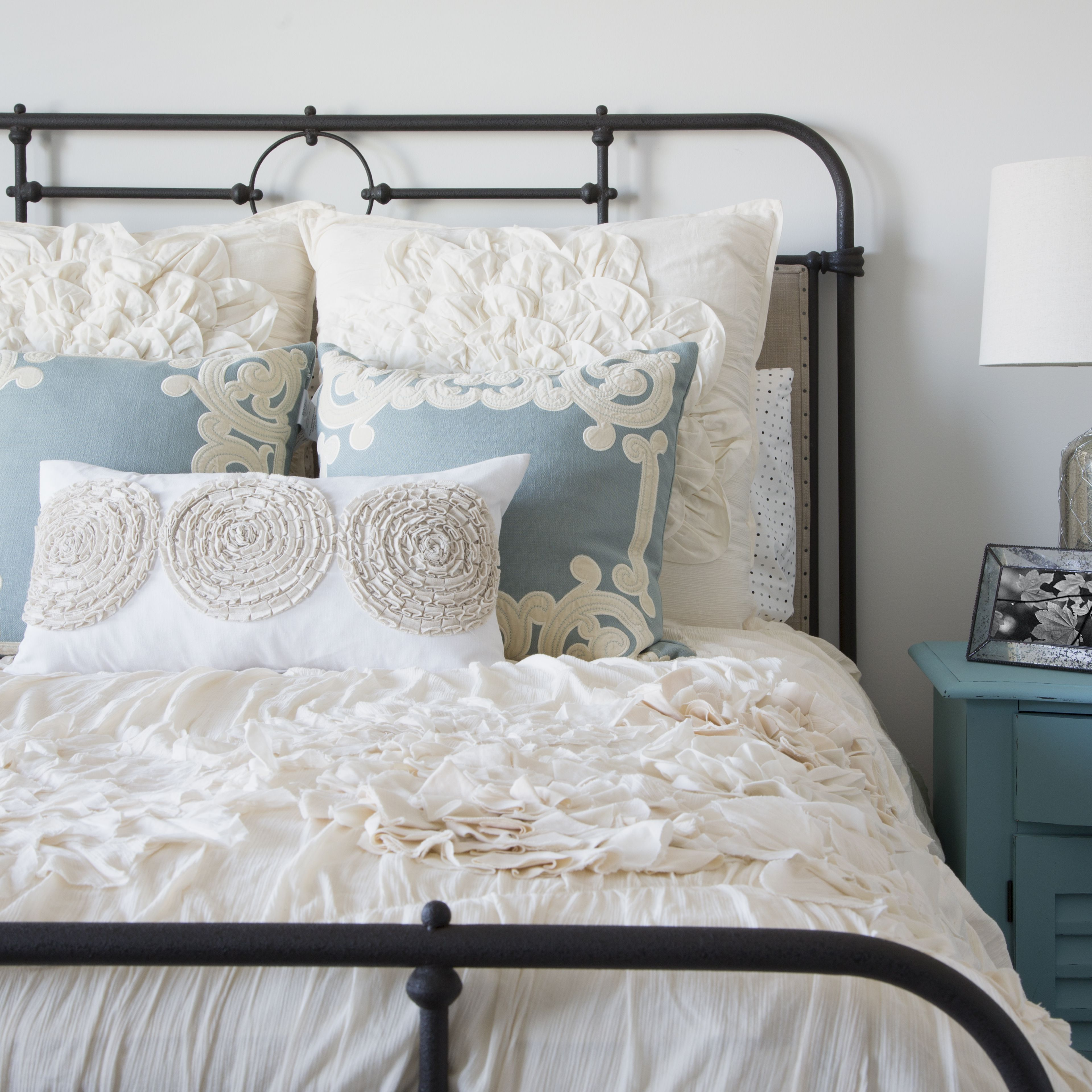 5 Reasons To Make Your Bed Every Day