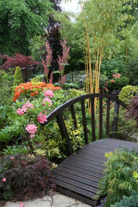 Puente de jardín único en forma de abanico