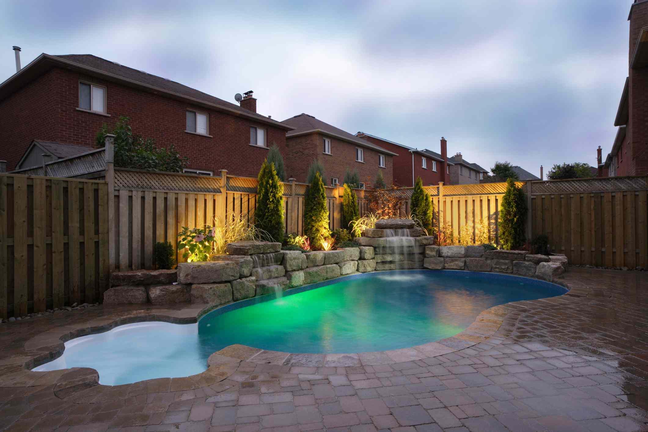 A vinyl swimming pool