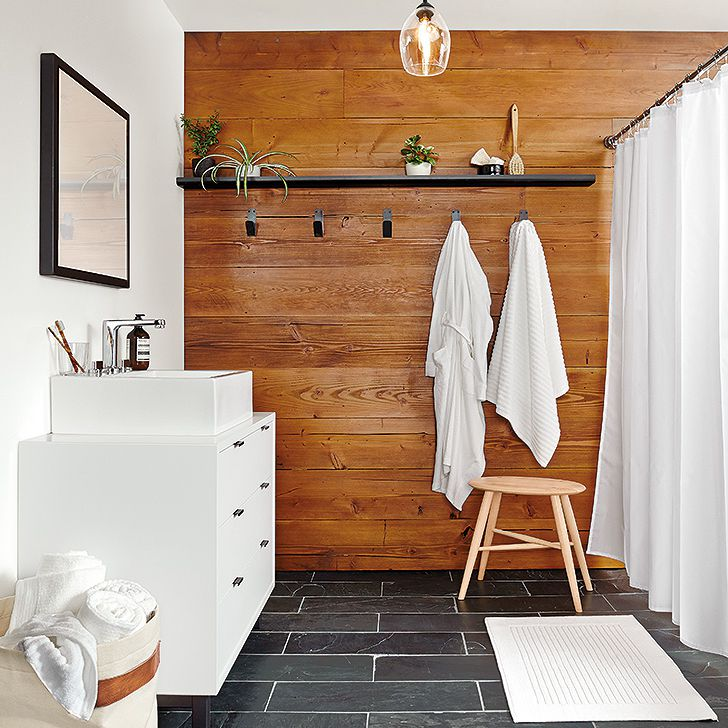 8 Bathrooms That Nail The Natural Wood Trend