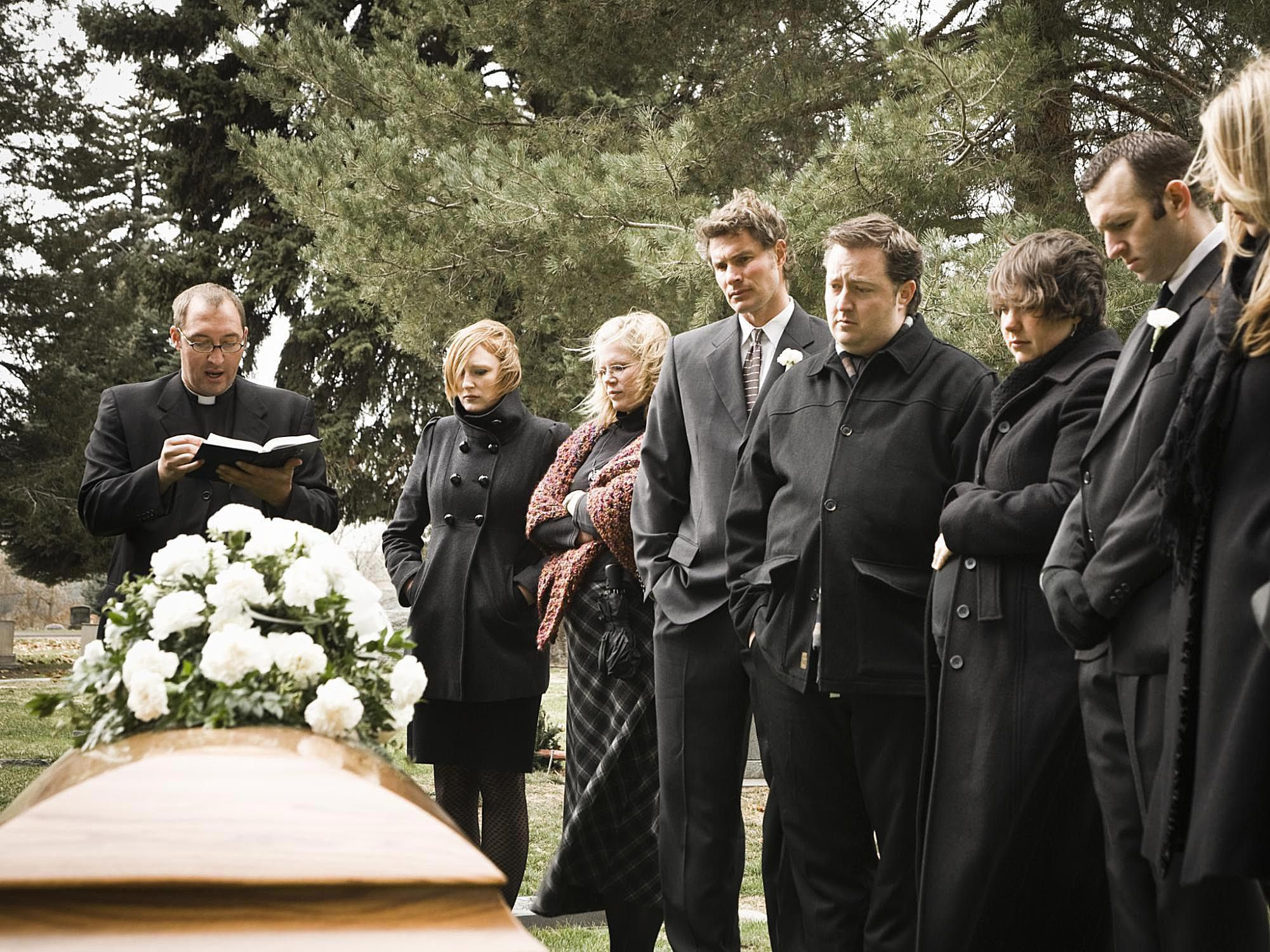 How To Prevent Awkwardness At A Funeral