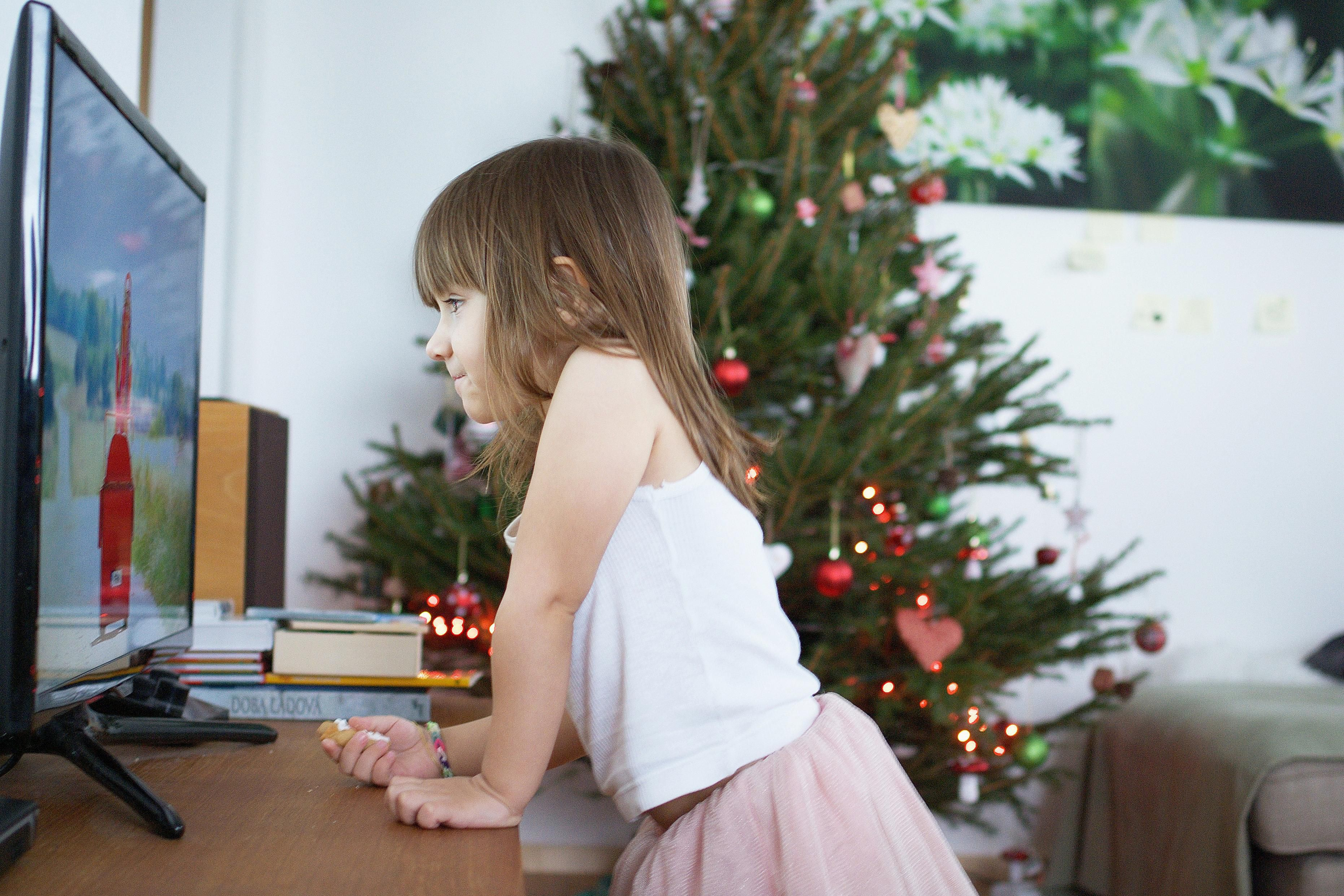 Try These 10 Holiday Traditions for Small Families
