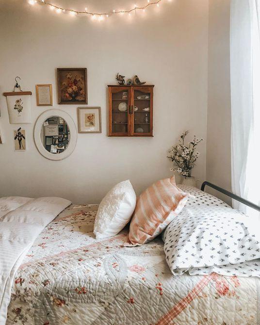 Habitación con accesorios vintage