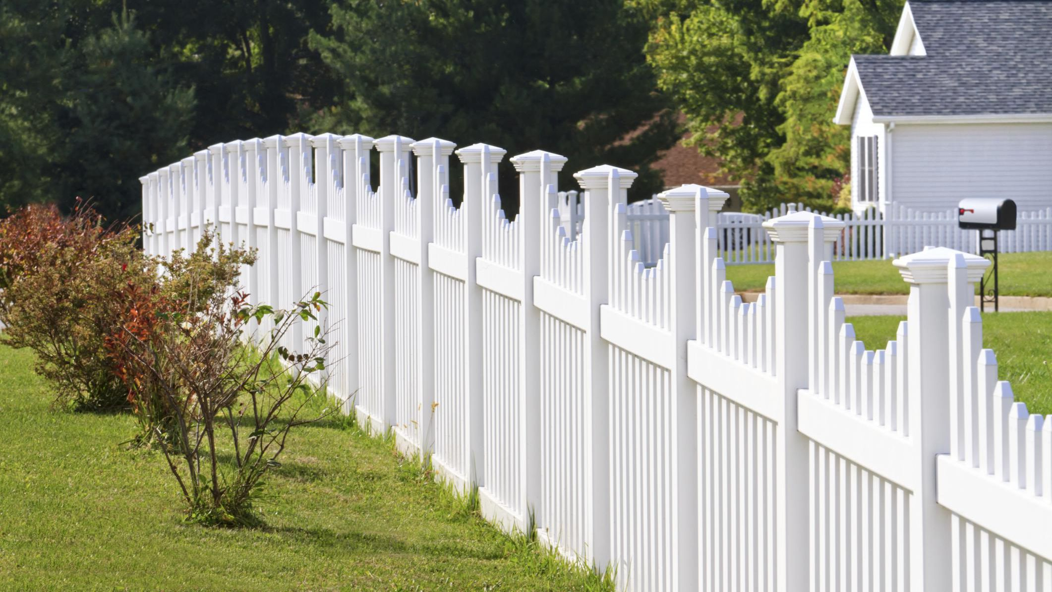 What to Expect When a Fence Company Install Your Fence?