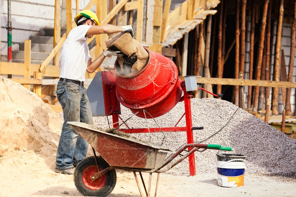 Bricklayer and concrete mixer