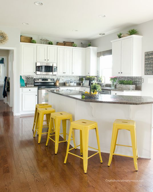 gabinetes de cocina con pintura de tiza blanca