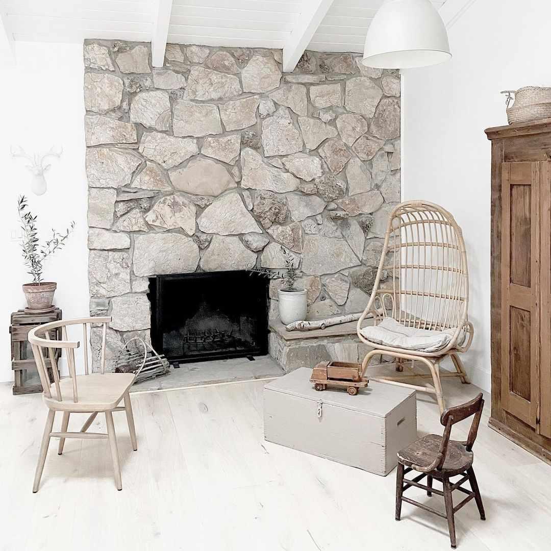 Farmhouse living room fireplace